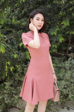 Đầm cổ trụ tay ngắn - Hồng